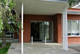 Entrance to Youthline Papatoetoe | Community | Logan Architects